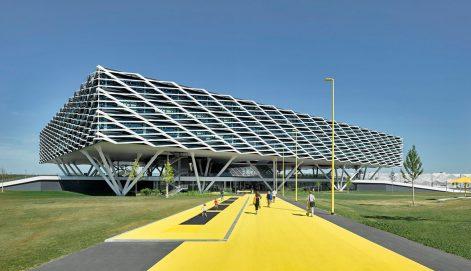 Adidas-World-Sports-Arena-Behnisch-Architekten-David-Matthiessen-01