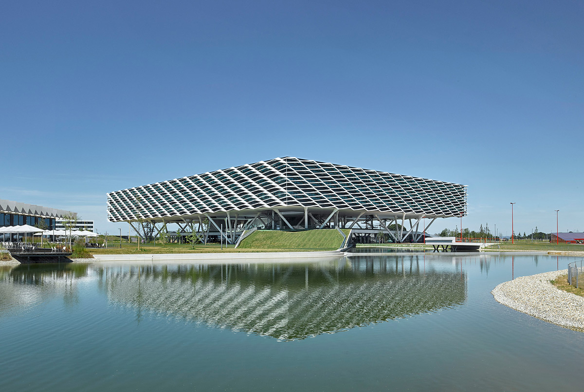 Adidas-World-Sports-Arena-Behnisch-Architekten-David-Matthiessen-02