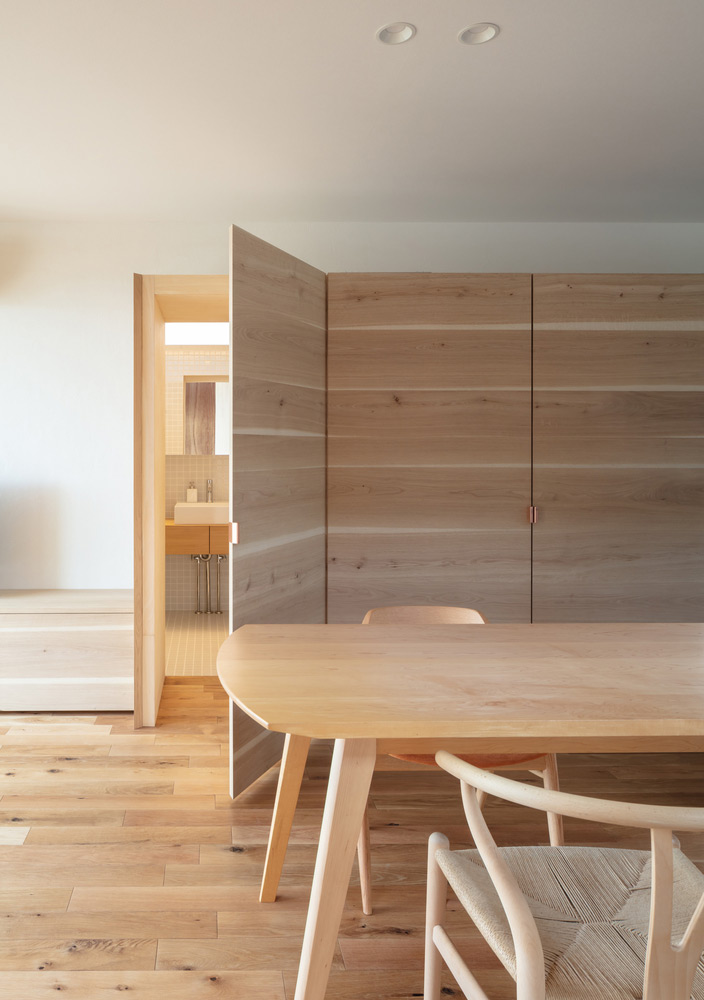 House-Tsukawaki-Horibe-Associates-06