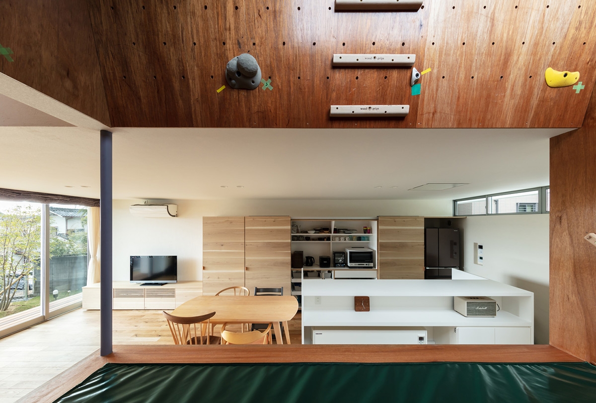 House-Tsukawaki-Horibe-Associates-08