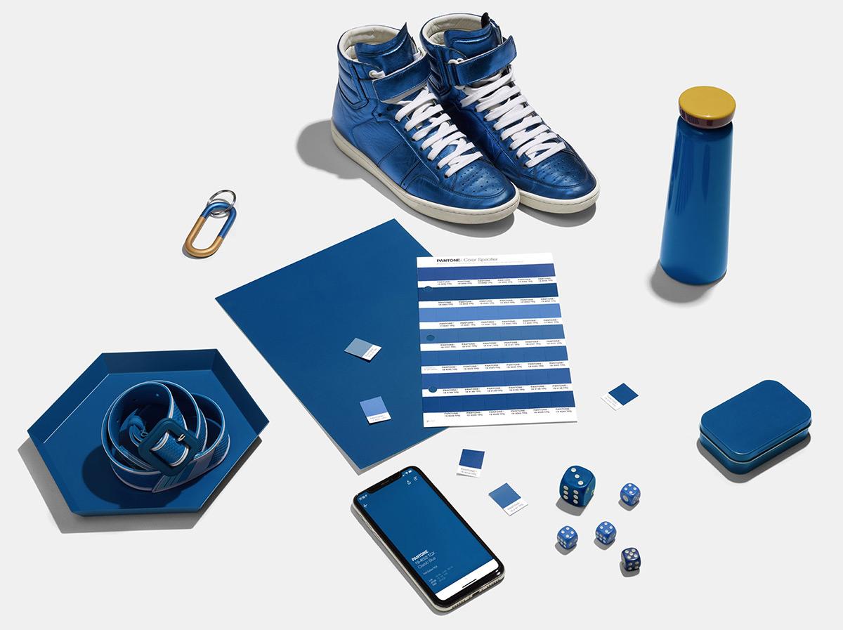 Classic-Blue-Color-Pantone-2020-03