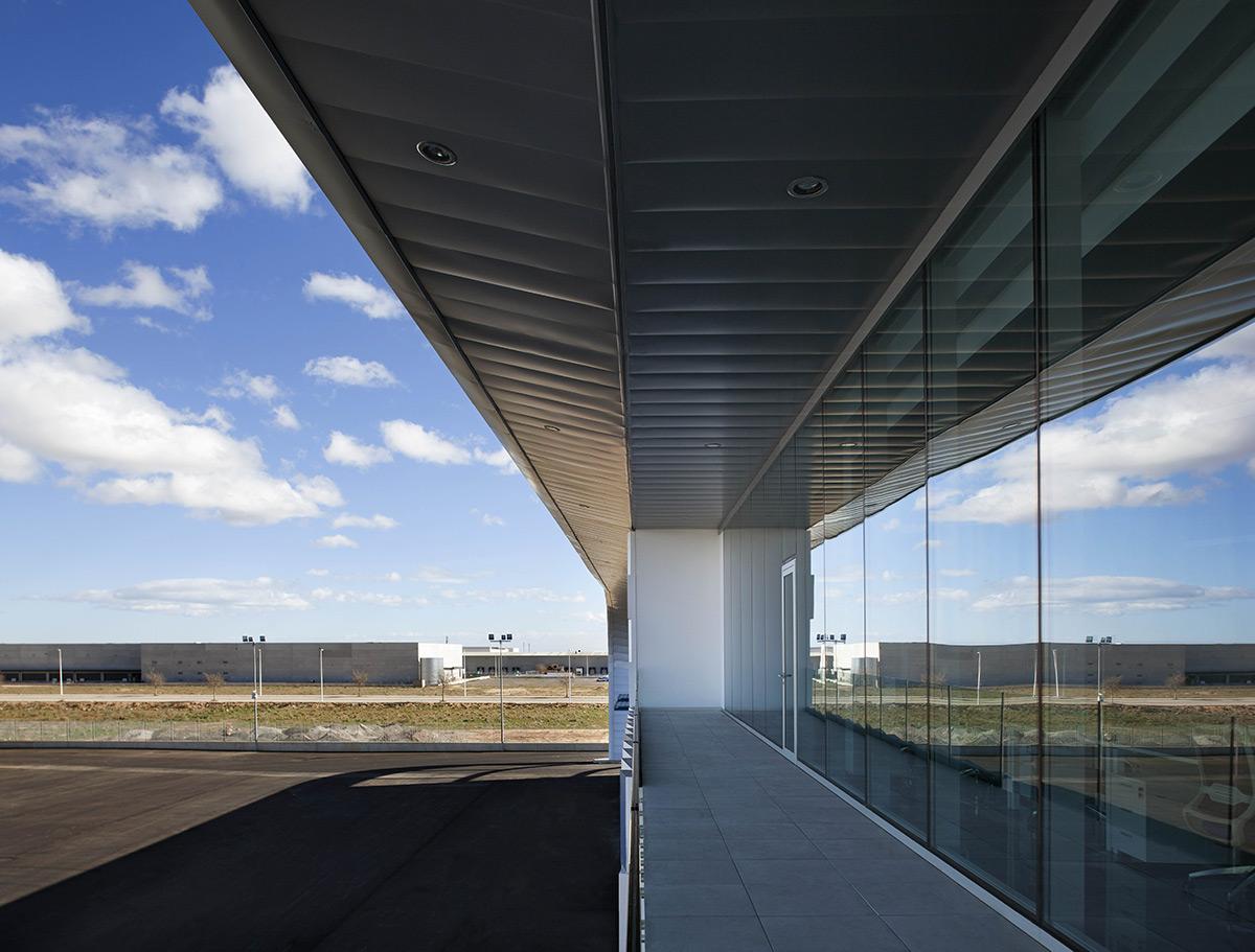 Kortimed-HQ-Pierattelli-Architecture-Diego-Opazo-07