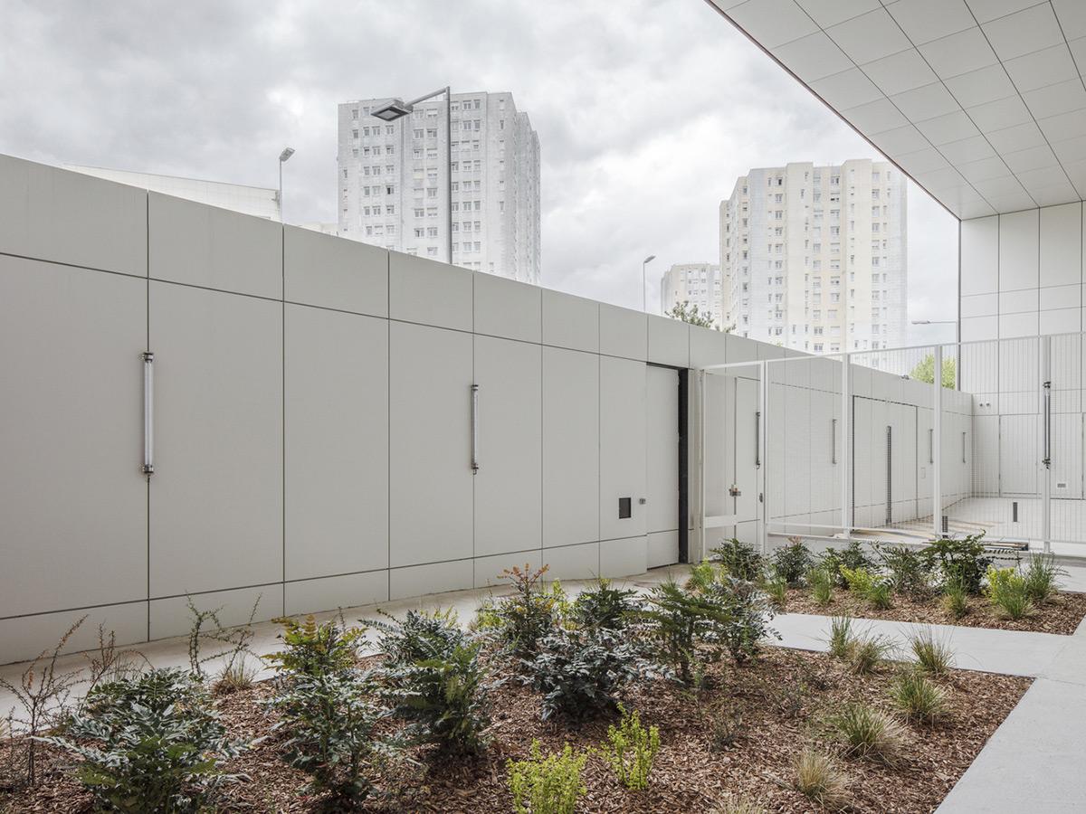 Minimum-Security-Prison-LAN-Cyrille-Weiner-05