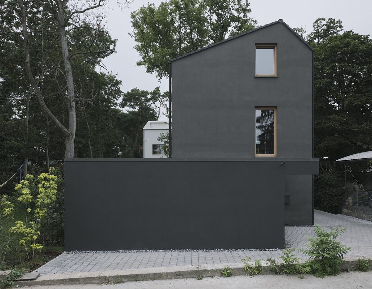 Black-House-HGA-Henning-Grahn-Architektur-Marc-Flick-Architekt-Christian-Stock-01