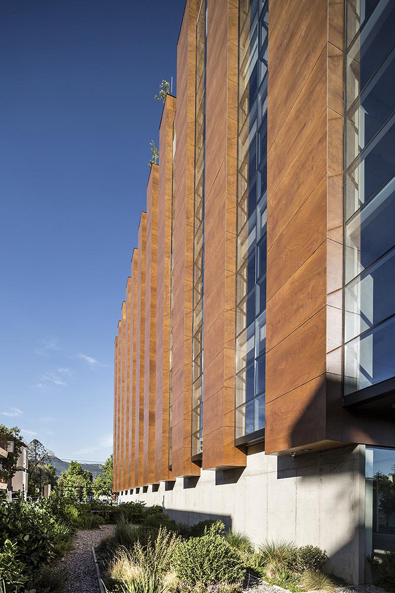 arquitectura-chilena-edificio-francisco-aguirre-stein-suazo-arquitectos-foto-aryeh-kornfeld-2