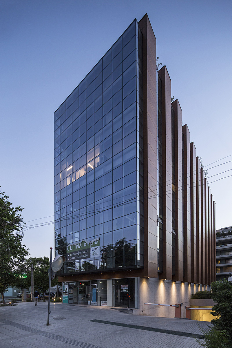 arquitectura-chilena-edificio-francisco-aguirre-stein-suazo-arquitectos-foto-aryeh-kornfeld-3