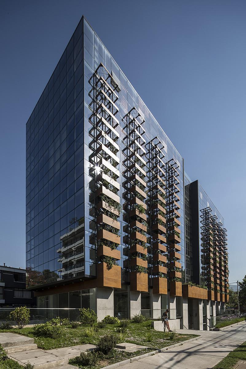 arquitectura-chilena-edificio-francisco-aguirre-stein-suazo-arquitectos-foto-aryeh-kornfeld-4