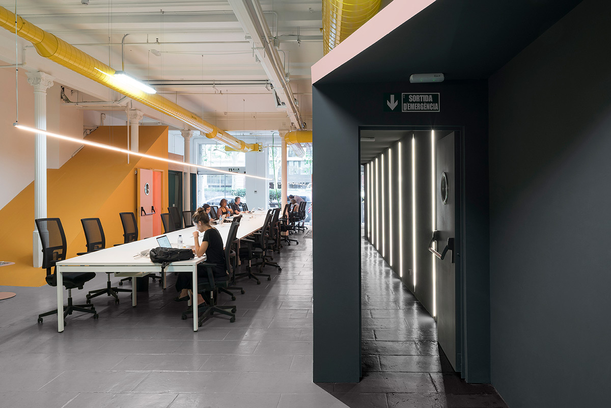crec-coworking-casa-colombo-and-serboli-architecture-photo-roberto-ruiz-2