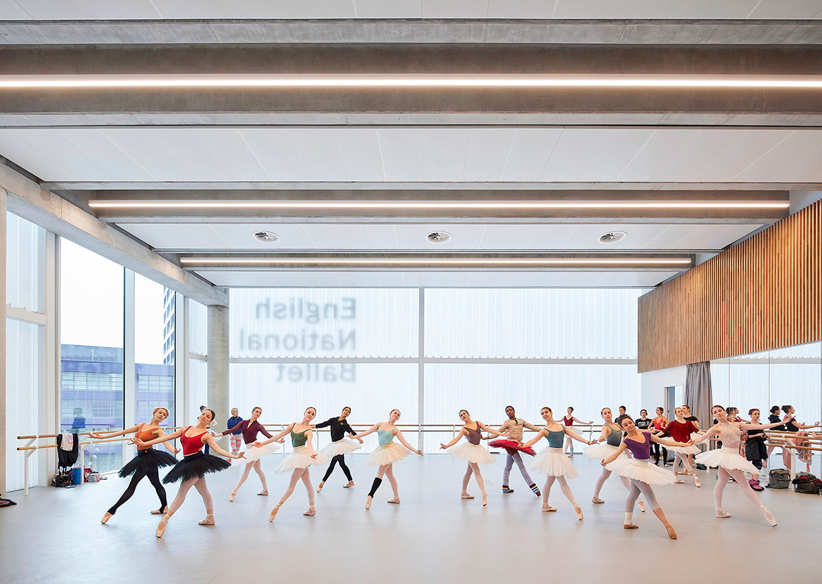 English-National-Ballet-Glenn-Howells-Architects-Hufton-Cow-05