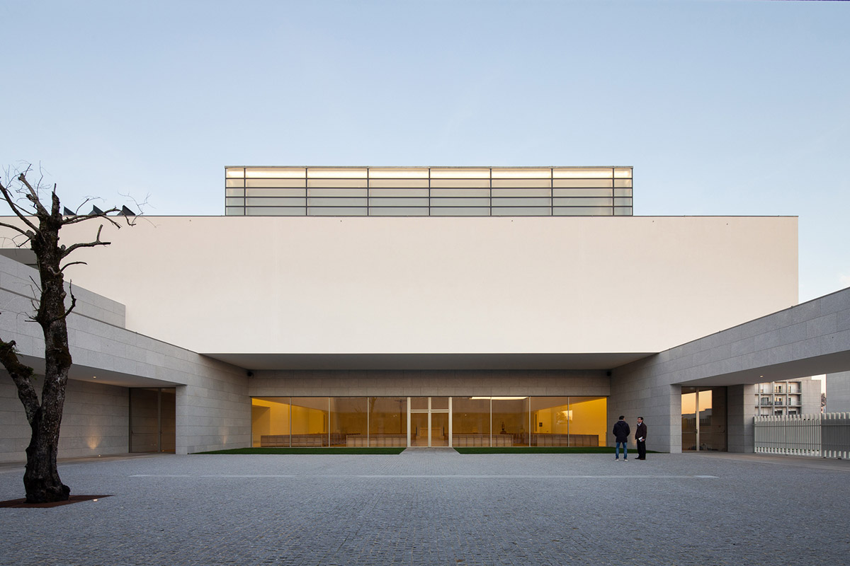 Iglesia-Divino-Salvador-Vitor-Leal-Barros-Architecture-01