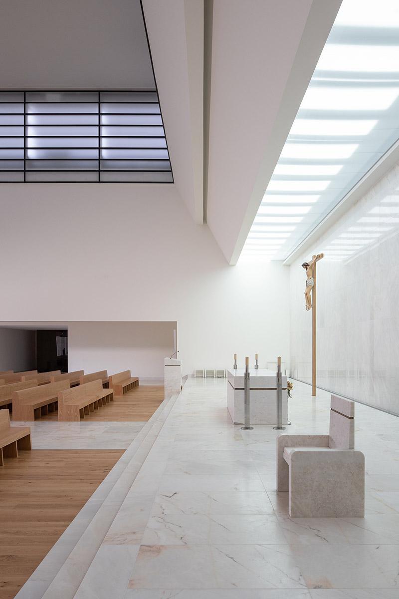 Iglesia-Divino-Salvador-Vitor-Leal-Barros-Architecture-02