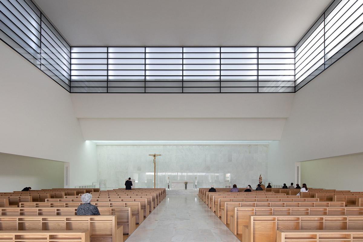 Iglesia-Divino-Salvador-Vitor-Leal-Barros-Architecture-03