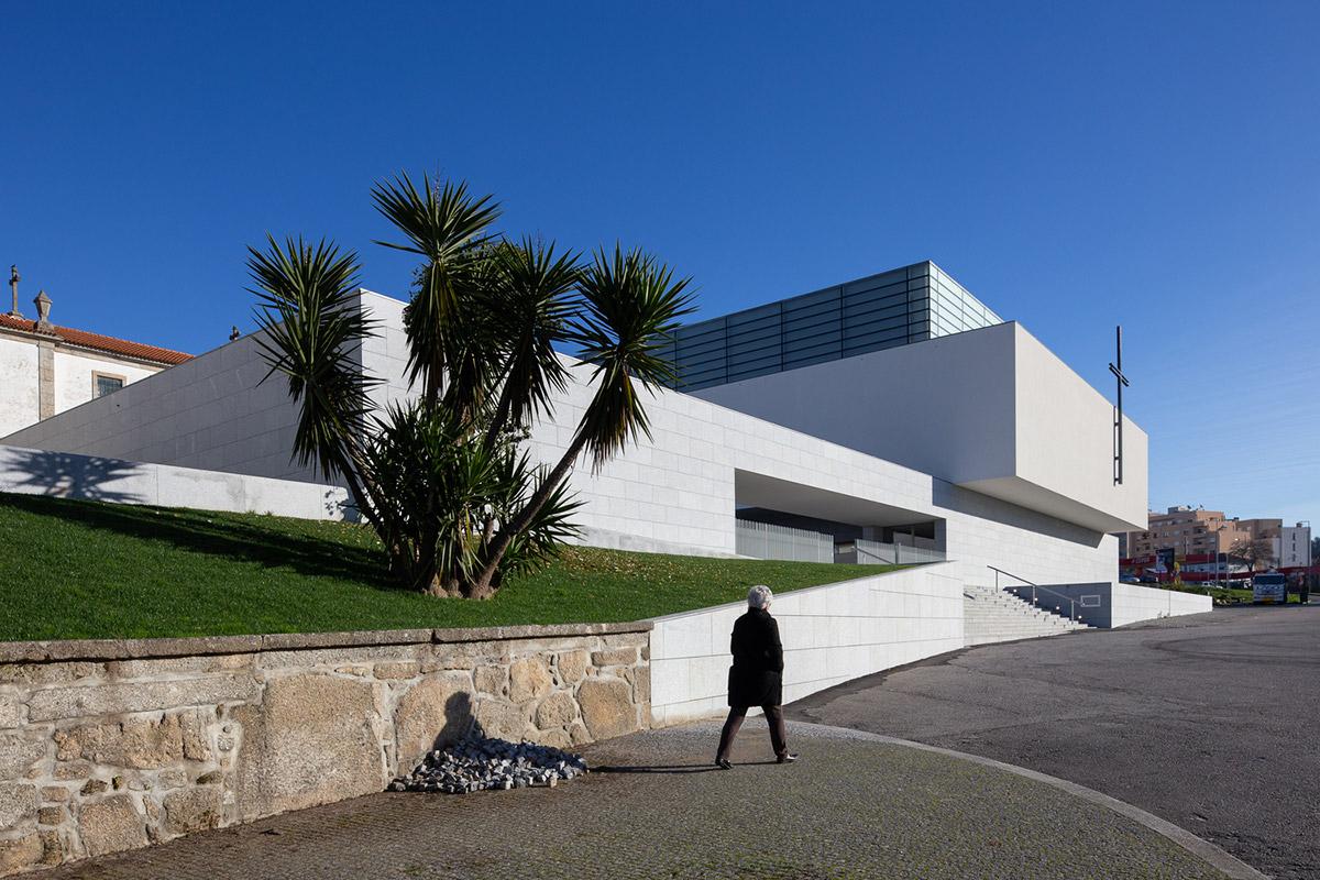 Iglesia-Divino-Salvador-Vitor-Leal-Barros-Architecture-04