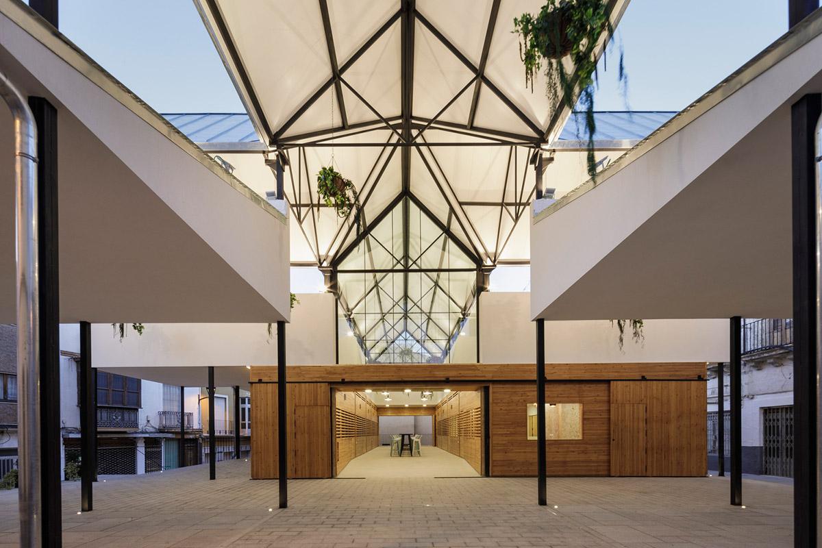 Mercado-Municipal-Baza-Acrono-Arquitectura-Blanca-Esteras-Serrano-01