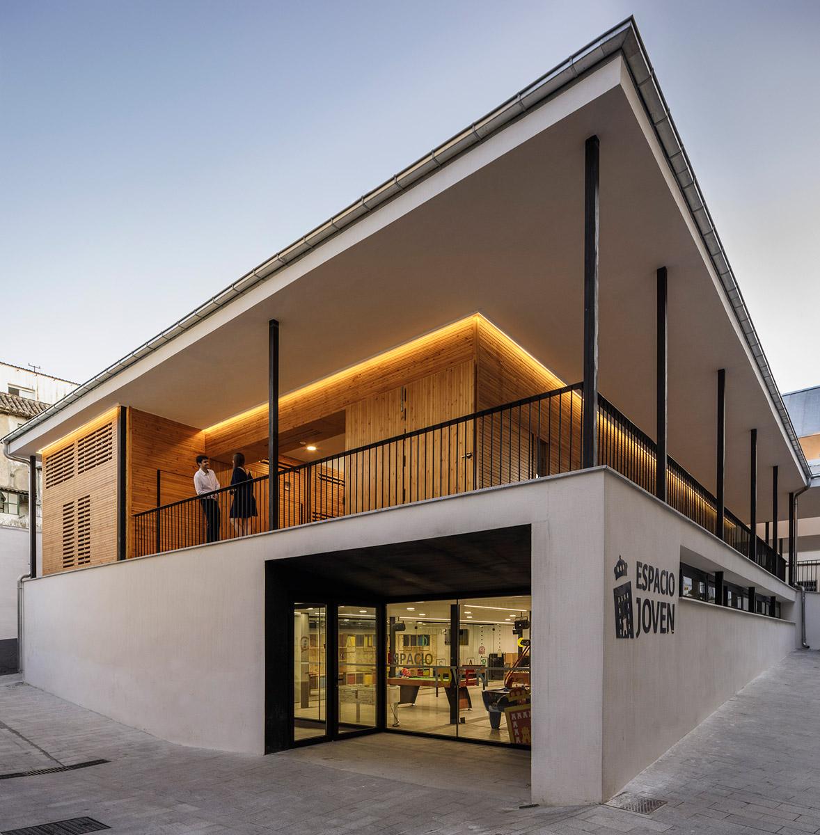 Mercado-Municipal-Baza-Acrono-Arquitectura-Blanca-Esteras-Serrano-02