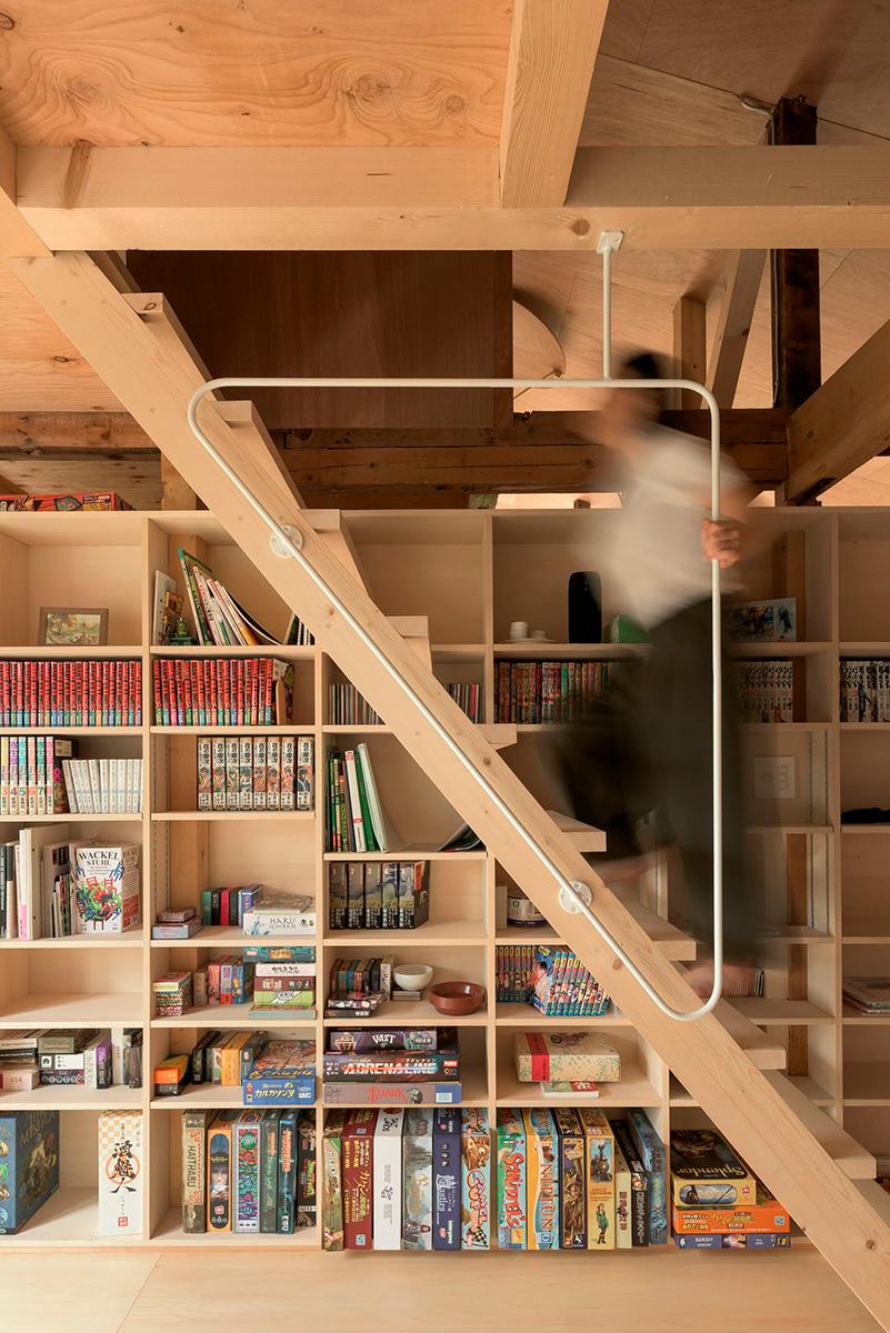 The-Deformed-Roof-House-Yoshichika-Takagi-associates-Ikuya-Sasaki-03