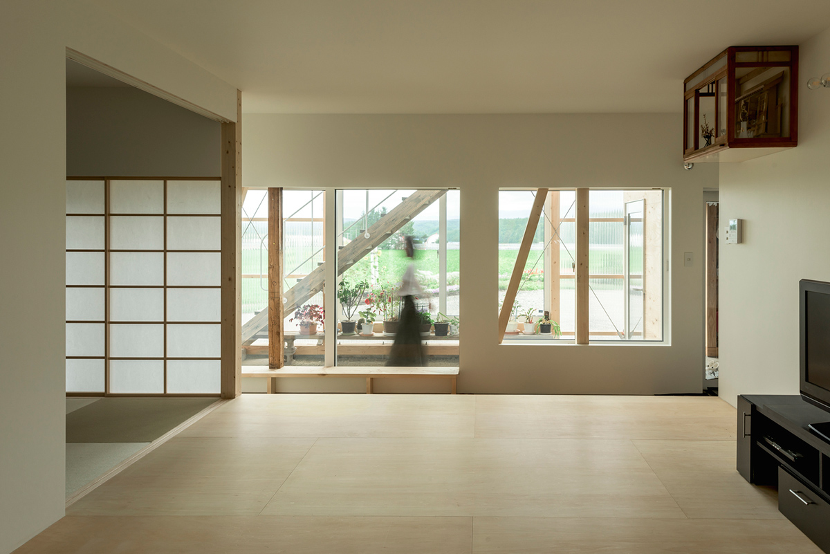 The-Deformed-Roof-House-Yoshichika-Takagi-associates-Ikuya-Sasaki-05