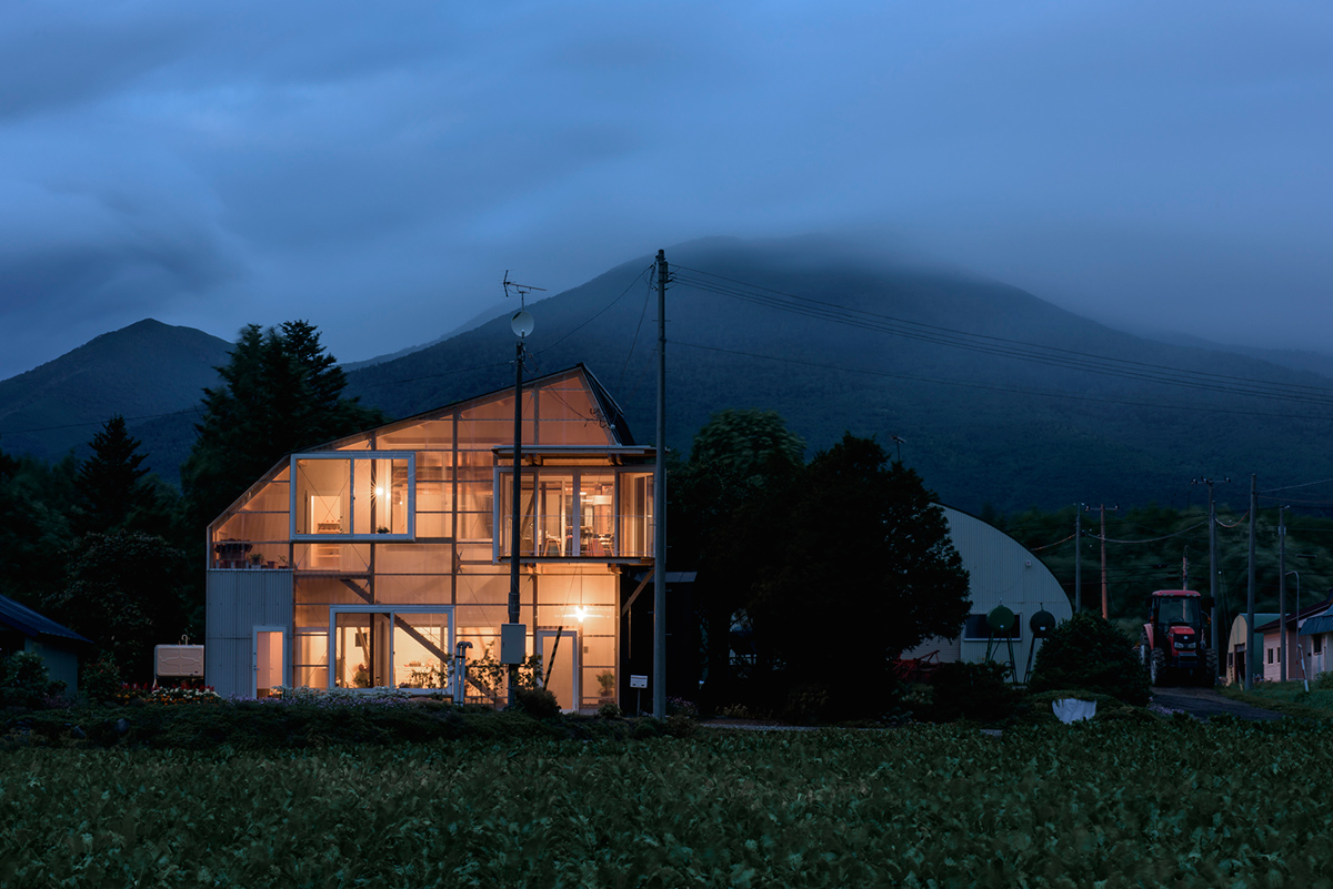 The-Deformed-Roof-House-Yoshichika-Takagi-associates-Ikuya-Sasaki-06