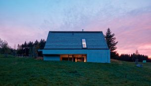 Weekend-House-Pavel-Micek-Architects-Boys-Play-Nice-01