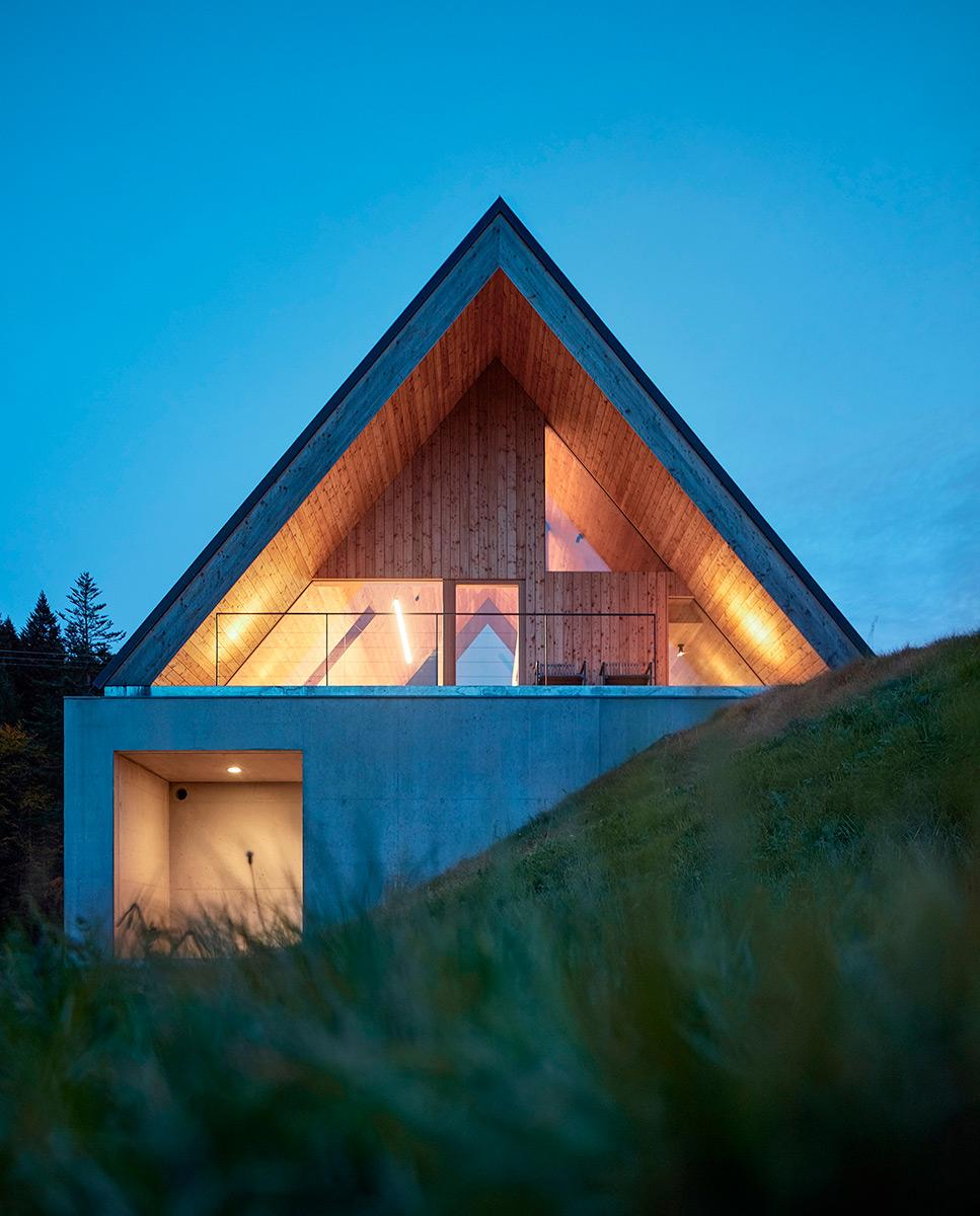Weekend-House-Pavel-Micek-Architects-Boys-Play-Nice-07