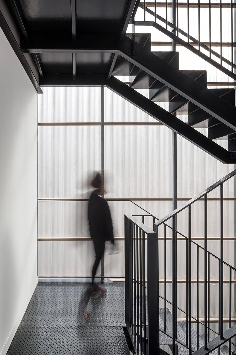 Aprop-Ciutat-Vella-Emergency-Housing-Straddle3-Eulia-Arkitektura-Yaiza-Terre-04