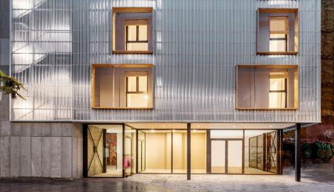 Aprop-Ciutat-Vella-Emergency-Housing-Straddle3-Eulia-Arkitektura-Yaiza-Terre-08
