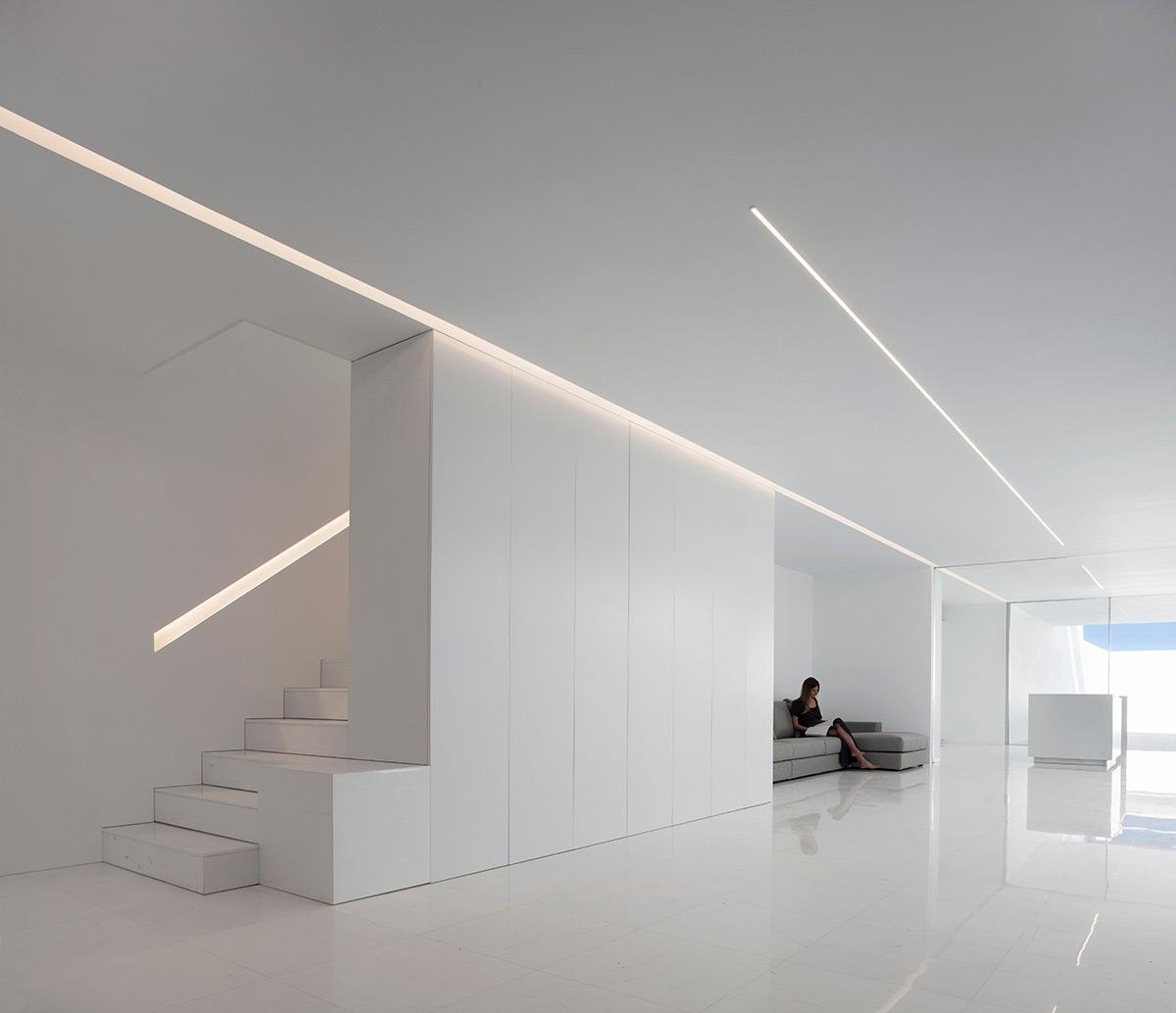 Casa-Pati-Blau-Fran-Silvestre-Arquitectos-Diego-Opazo-06
