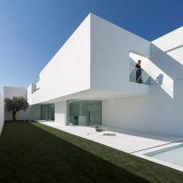 Casa-Pati-Blau-Fran-Silvestre-Arquitectos-Diego-Opazo-07