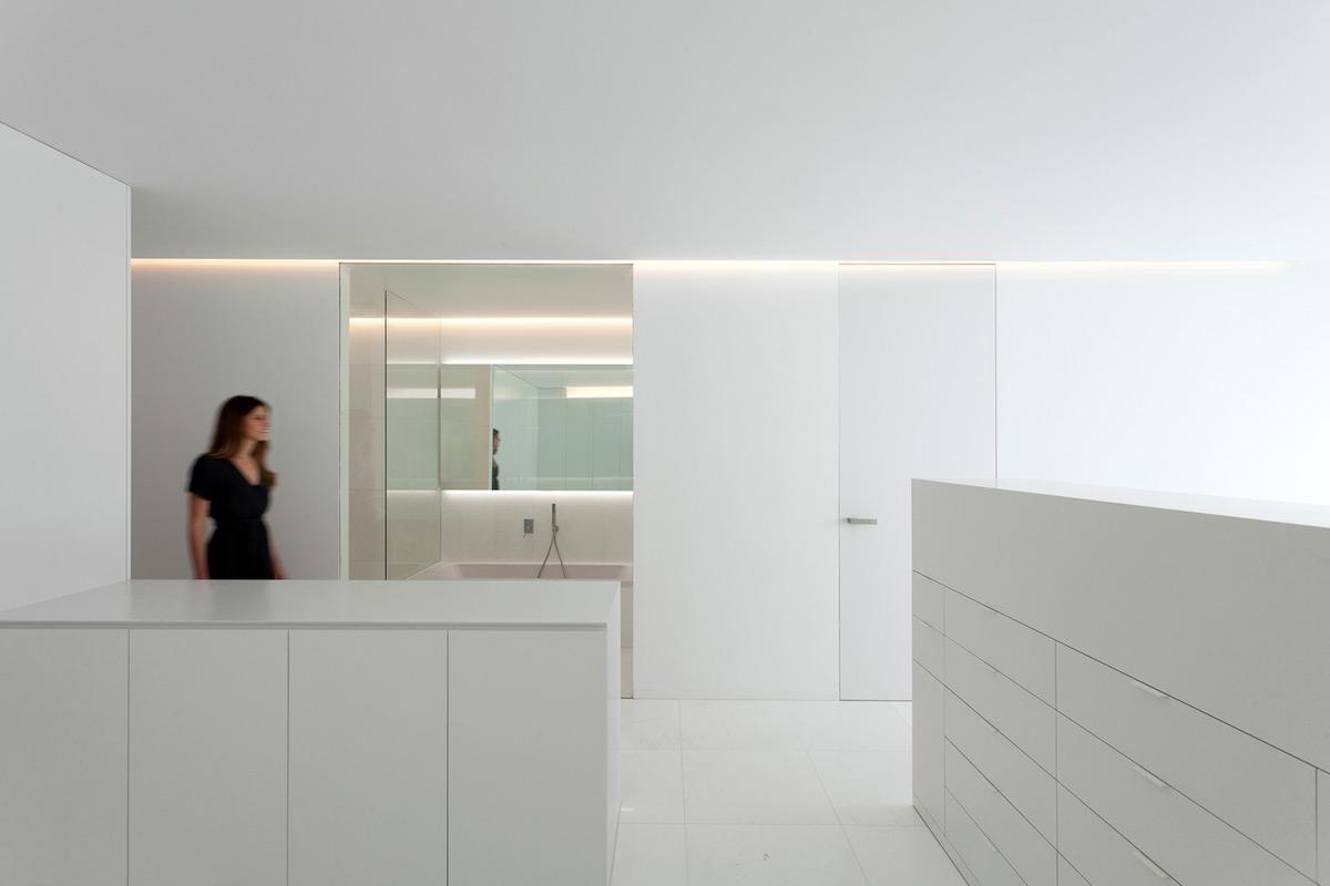 Casa-Pati-Blau-Fran-Silvestre-Arquitectos-Diego-Opazo-08