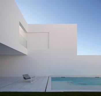 Casa-Pati-Blau-Fran-Silvestre-Arquitectos-Diego-Opazo-09