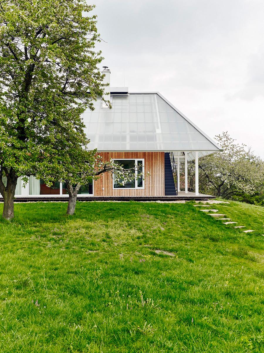 House-with-greenhouse-RicharDavidArchitekti-Jiri-Hronik-02