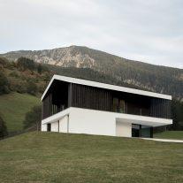 La-Casa-Pura-Perathoner-Architects-Aldo-Amoretti-01