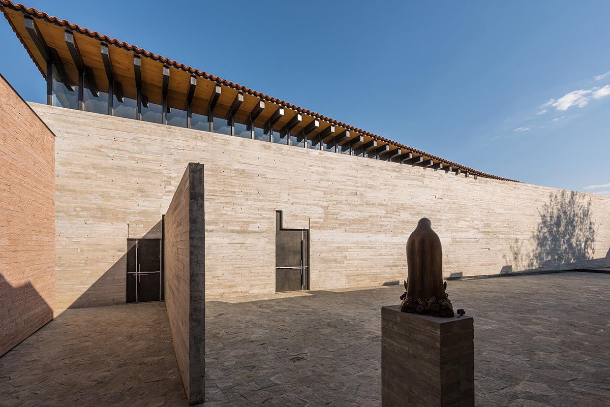 02.-RLJ-Chapel_Ricardo-Yslas-Gámez-Arquitectos