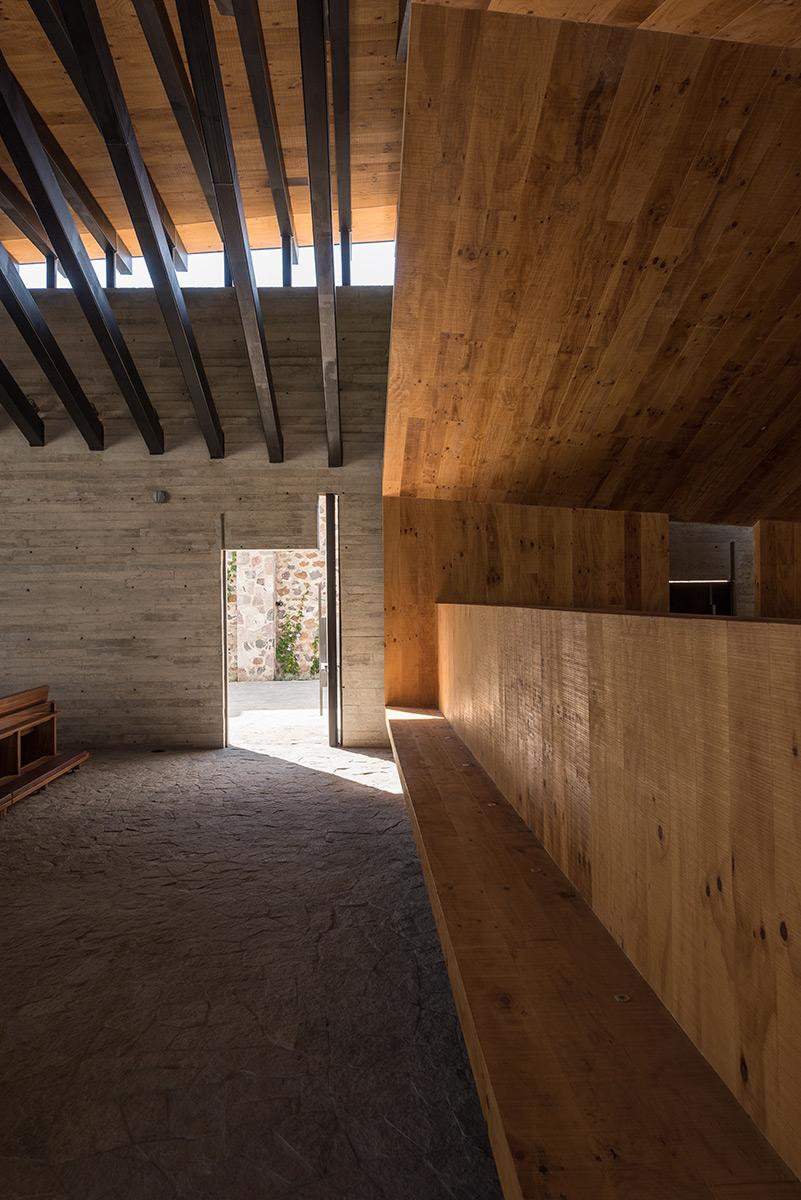 04-RLJ-Chapel_Ricardo-Yslas-Gámez-Arquitectos