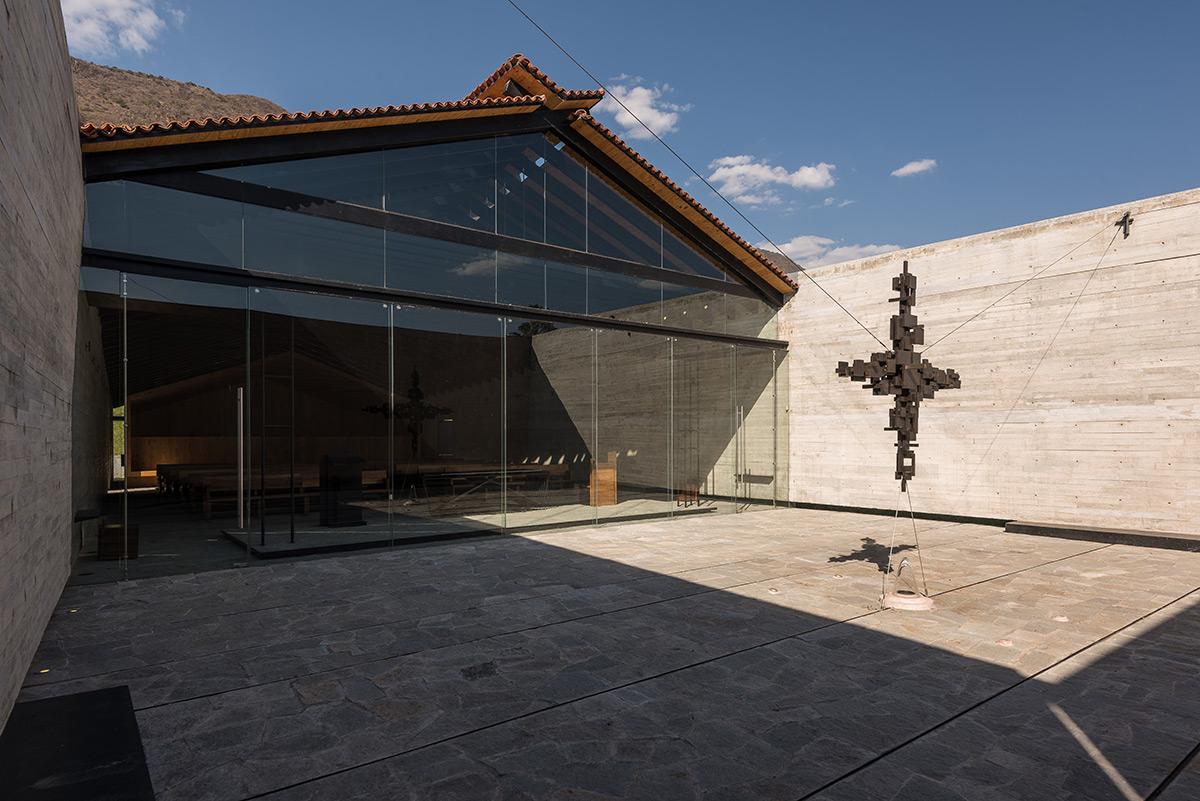 12.-RLJ-Chapel_Ricardo-Yslas-Gamez-Arquitectos