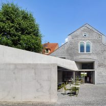 Covered-market-exhibition-area-Schiltigheim-Dominique-Coulon-Associes-01