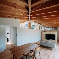 House-Ikenoue-Yabashi-Architects-Associates-Yashiro-Photo-Office-01