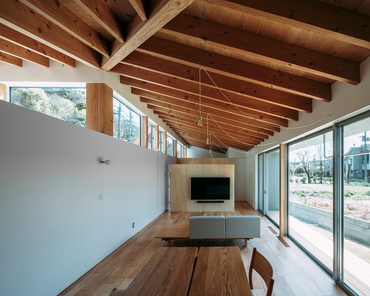 House-Ikenoue-Yabashi-Architects-Associates-Yashiro-Photo-Office-06