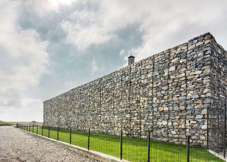 Observation-house_I-O-Architects_Sofia_Bulgaria_dezeen_784_1