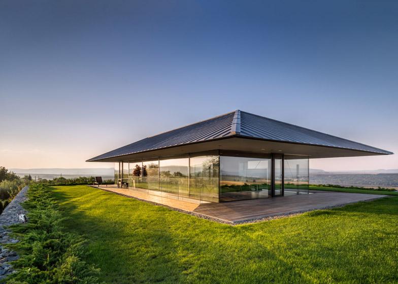 Observation-house_I-O-Architects_Sofia_Bulgaria_dezeen_784_13 (1)