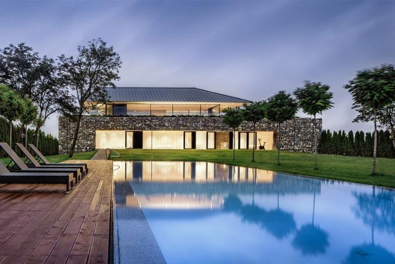 Observation-house_I-O-Architects_Sofia_Bulgaria_dezeen_784_16
