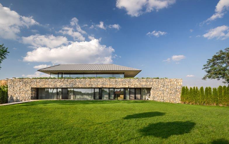 Observation-house_I-O-Architects_Sofia_Bulgaria_dezeen_784_18