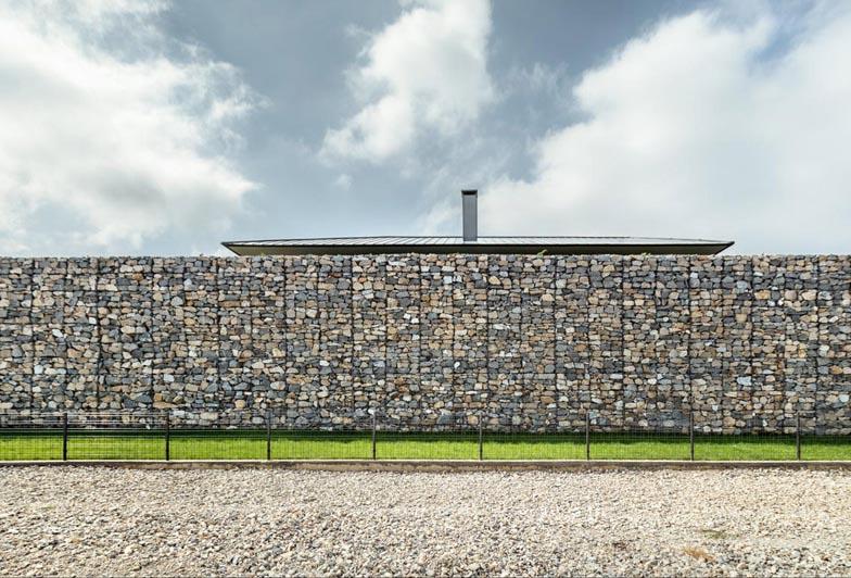 Observation-house_I-O-Architects_Sofia_Bulgaria_dezeen_784_3