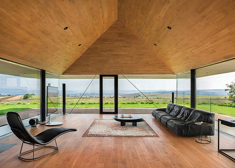 Observation-house_I-O-Architects_Sofia_Bulgaria_dezeen_784_6
