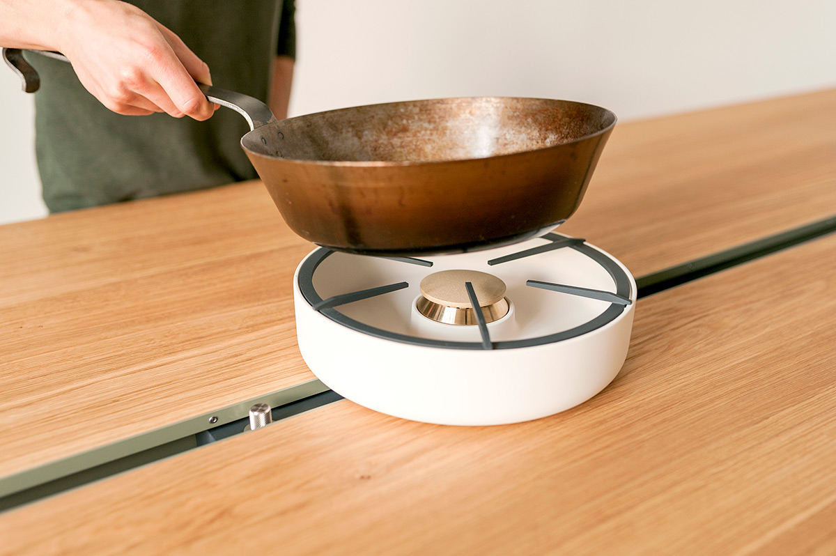 cooking-table-moritz-putzier-photo-casper-sessler-04