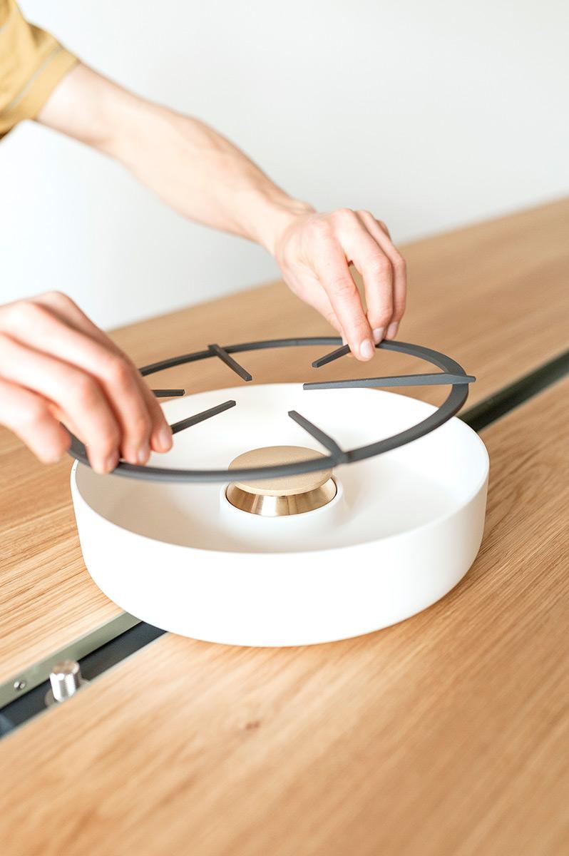 cooking-table-moritz-putzier-photo-casper-sessler-05