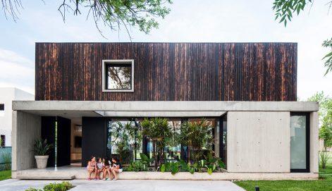 Casa-Negra-V2-Arquitectos-Alejandro-Peral-01