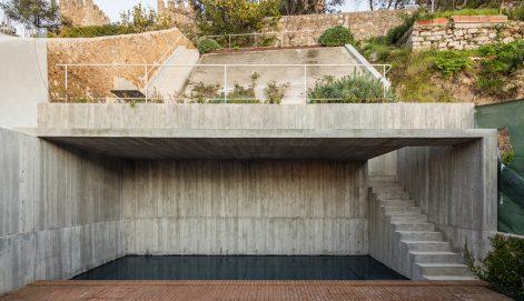 House-in-Costa-do-Castelo-Ricardo-Bak-Gordon-Francisco-Nogueira-01
