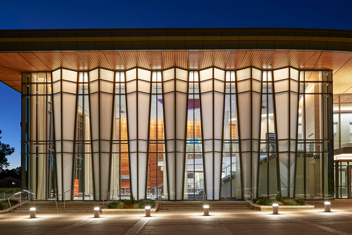 Jay-Susie-Gogue-Performing-Arts-Center-Wilson-Butler-Architects-01