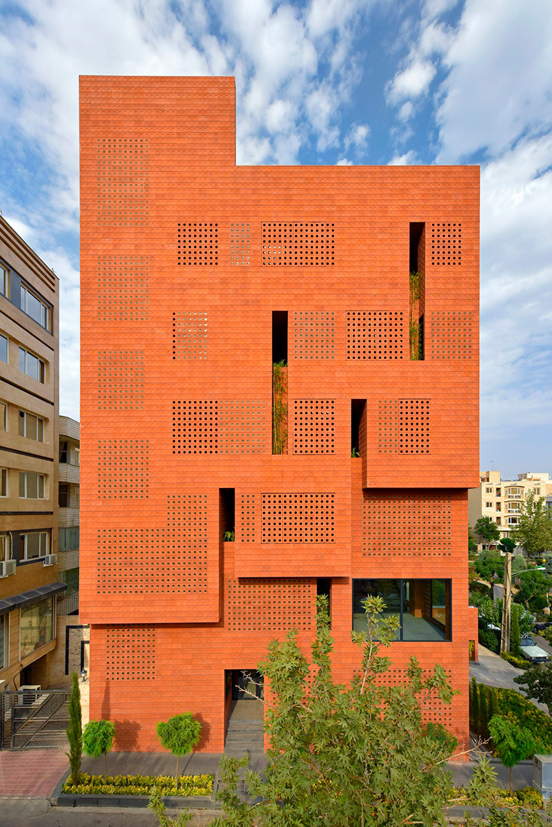 Kohan-Ceram-Hooba-Design-Parham-Taghioff-Deed-03
